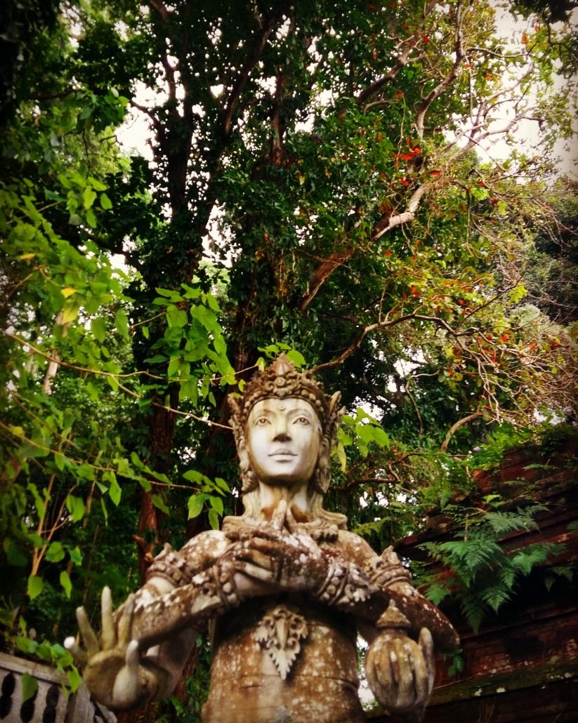 lumière de statuette iconique de Bali