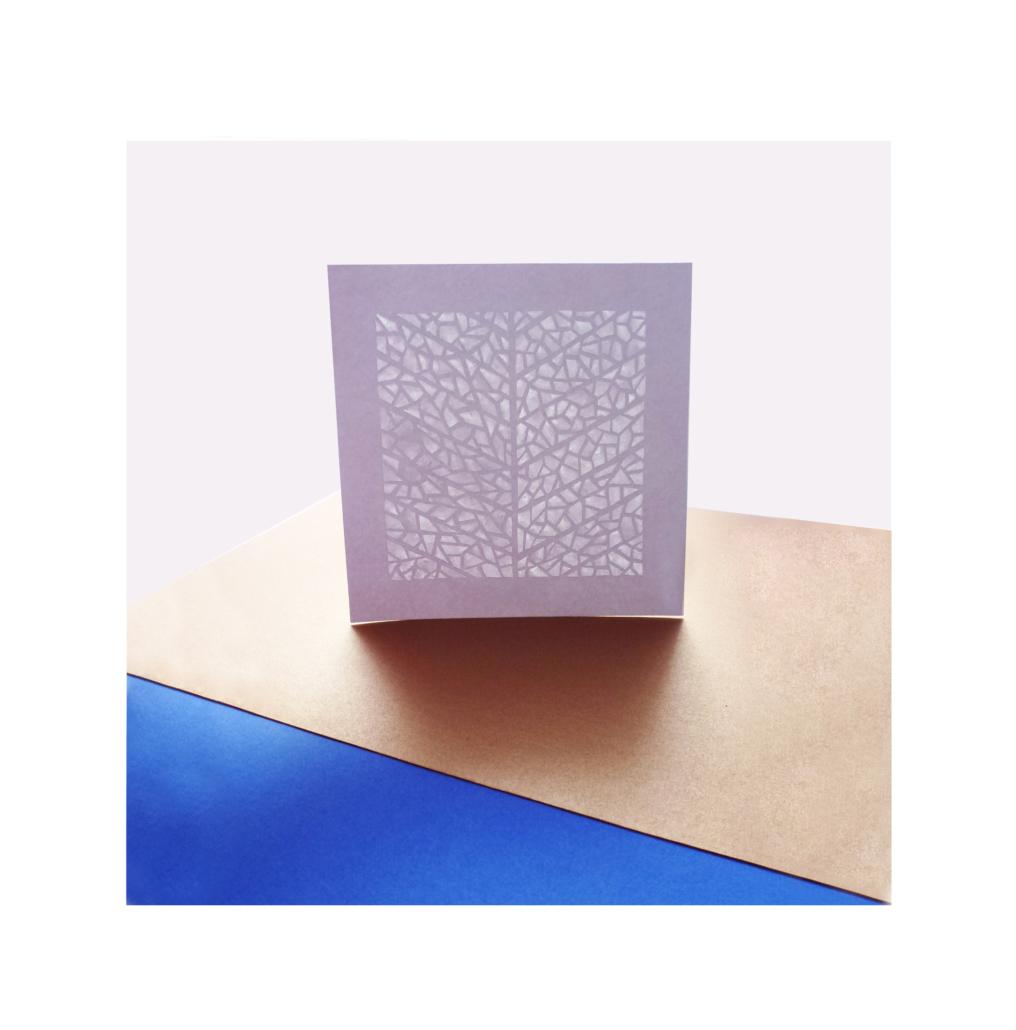 papier découpés dans un style feuille d'arbre