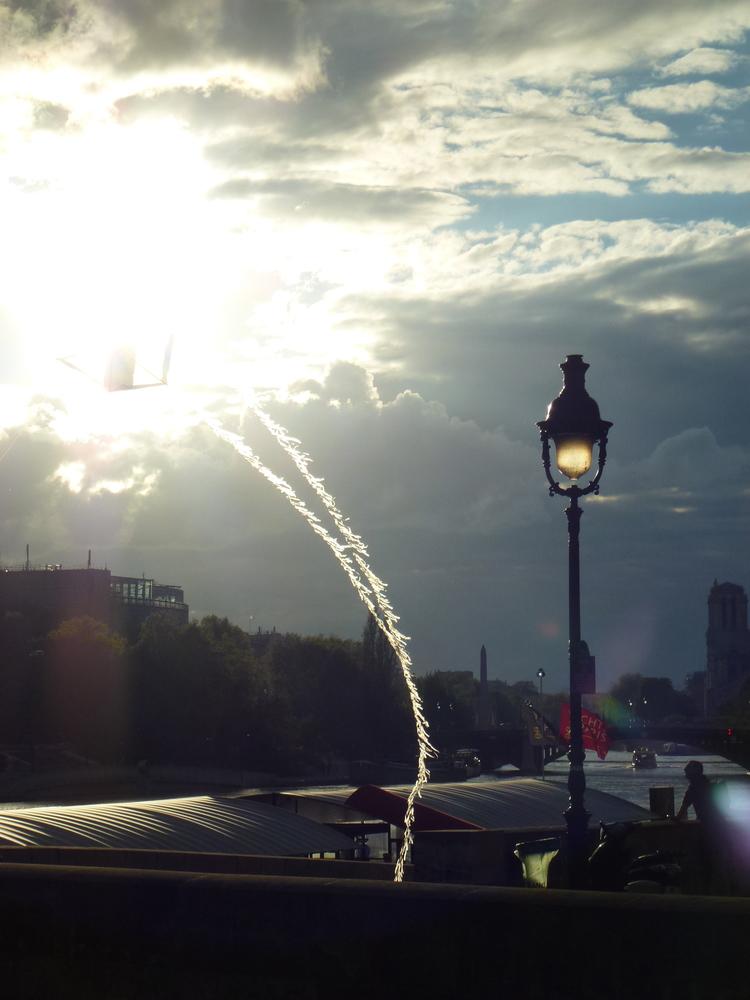 cerf volant, lumières des nuages et du ciel de paris