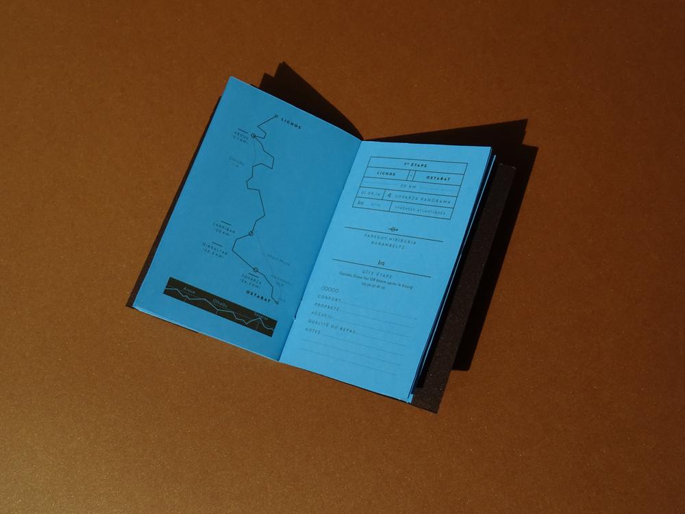le carnet bleu et bronze